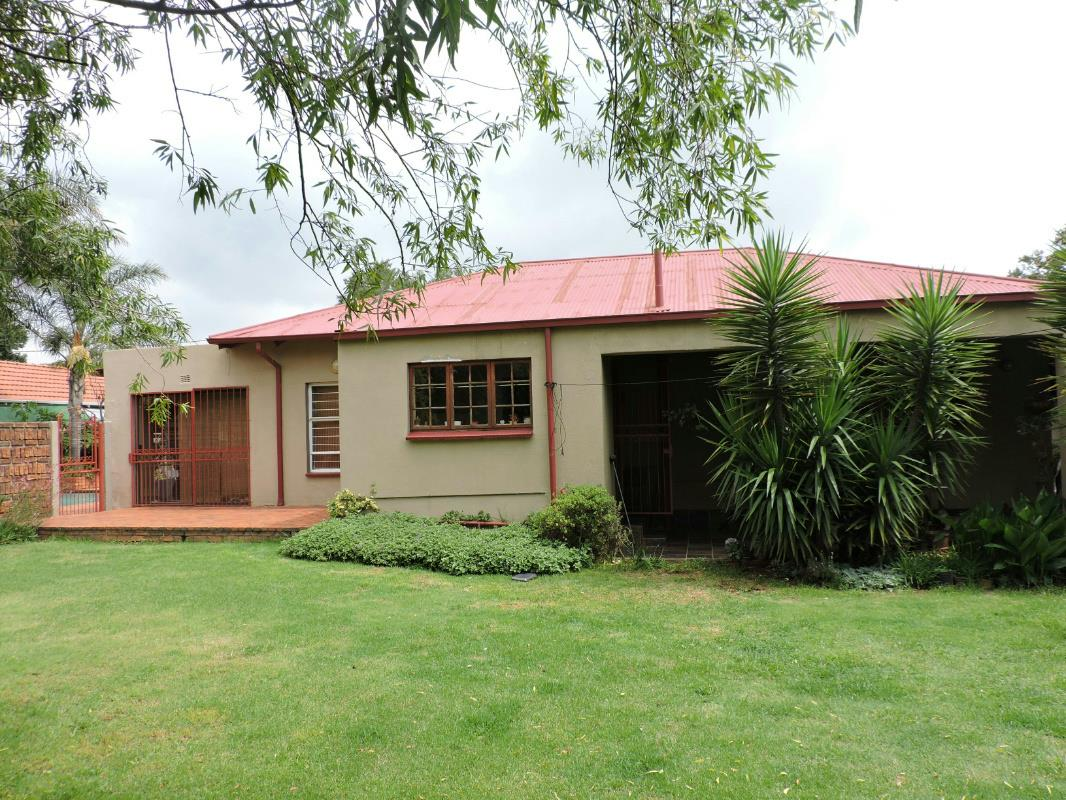 3 bedroom house for sale florida roodepoort
