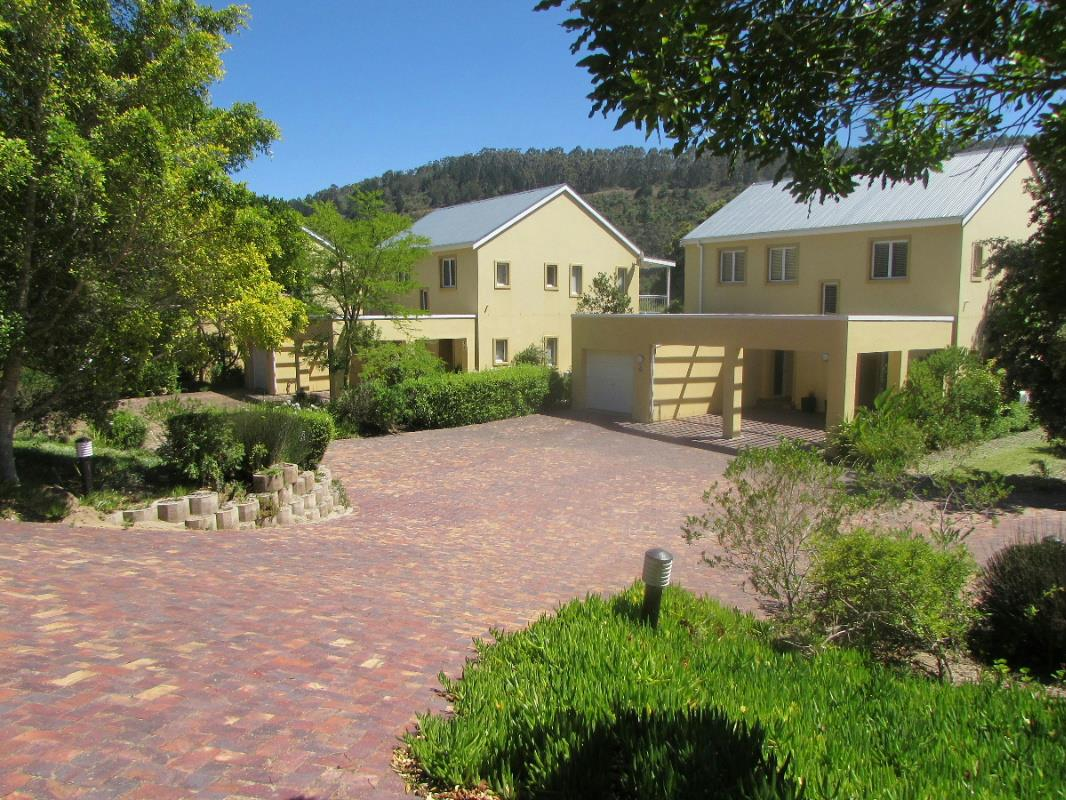 2 Bedroom Apartment For Sale Lake Pleasant 1sh1302135 Pam Golding Properties