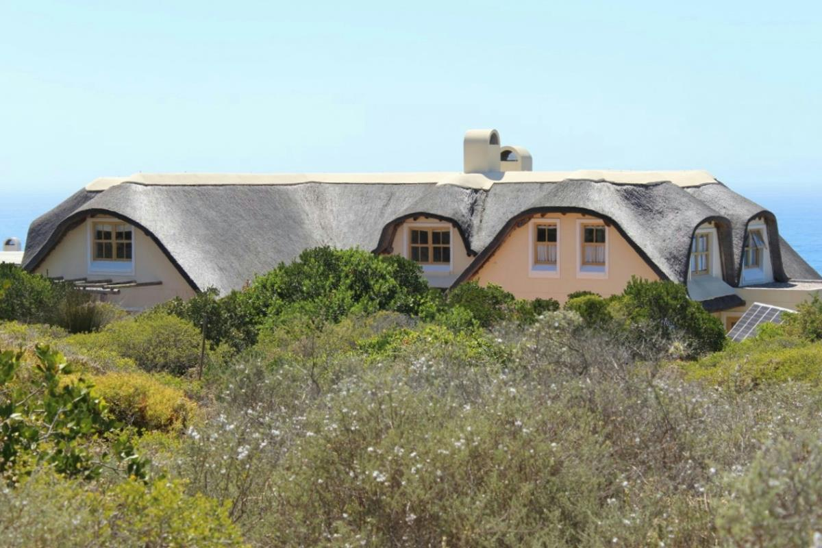 Houses for sale springerbaai eco estate pam golding for Environmentally friendly homes for sale
