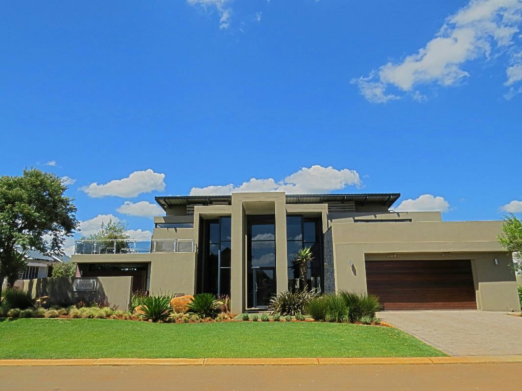 4 Bedroom House For Sale Serengeti Golf Estate
