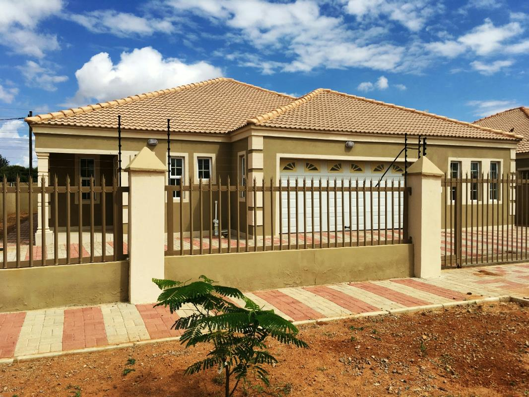 Modern House Plans Botswana: Pam Golding Properties