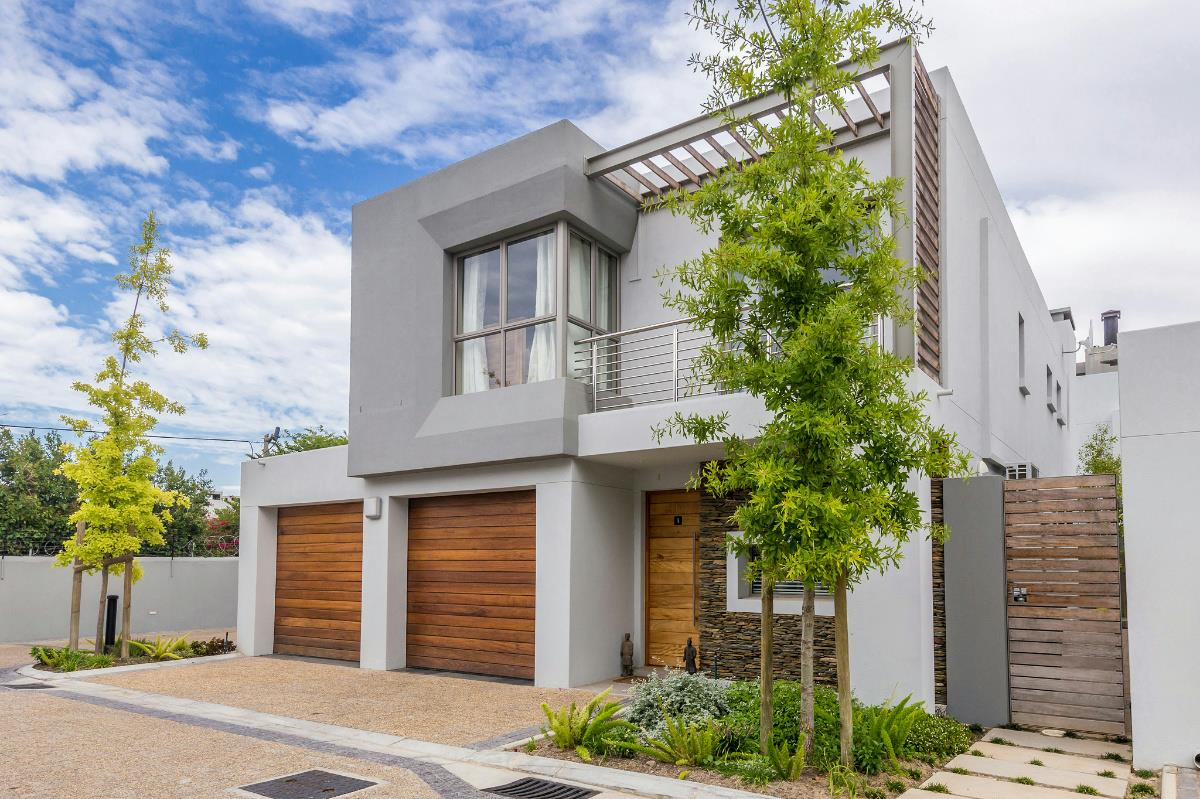 3 bedroom townhouse for sale central stellenbosch st1304555 3 bedroom townhouse for sale central stellenbosch st1304555 pam golding properties