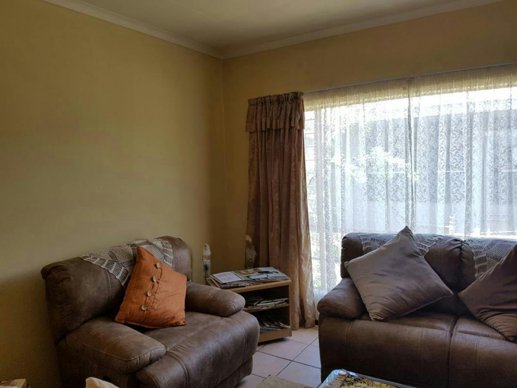 1 Bedroom Apartment For Sale Nelspruit 1ns1304398