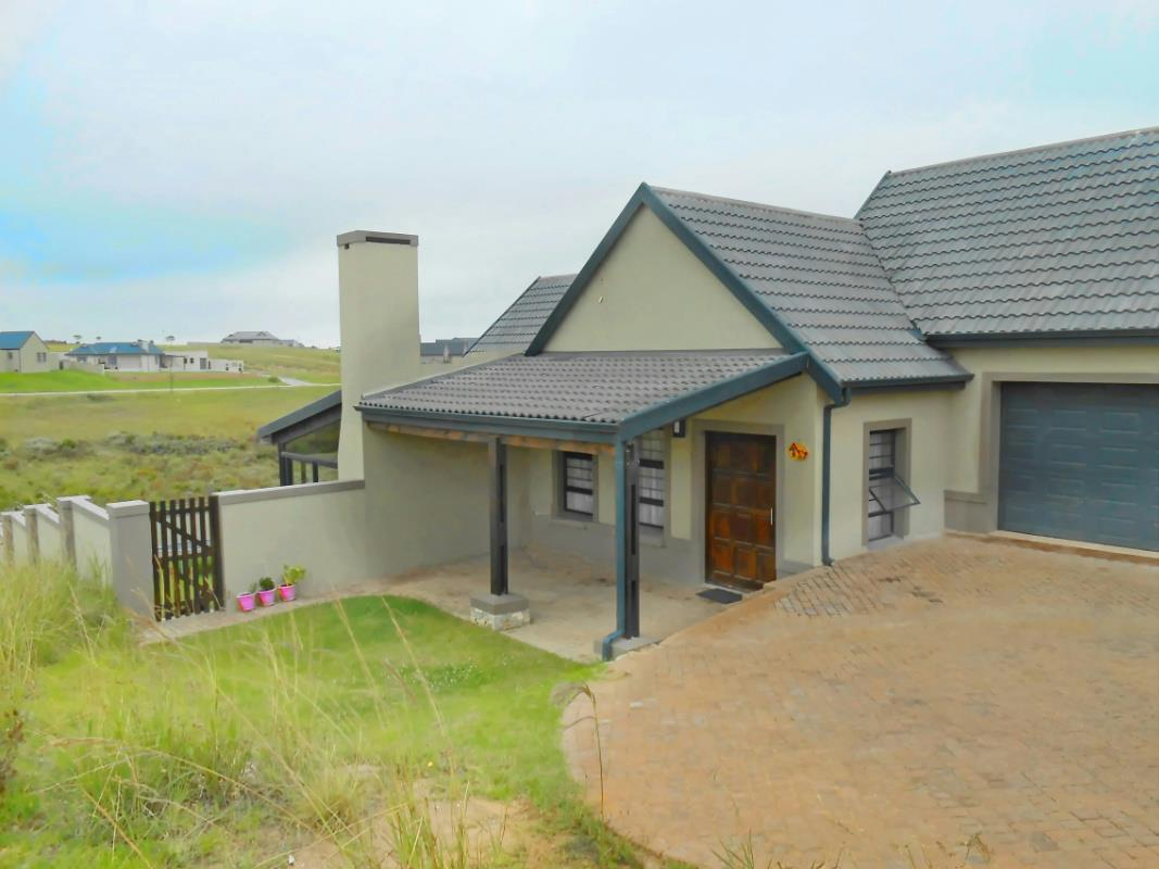 http://listing.pamgolding.co.za/Images/Properties/201702/606758/H/606758_H_16.jpg
