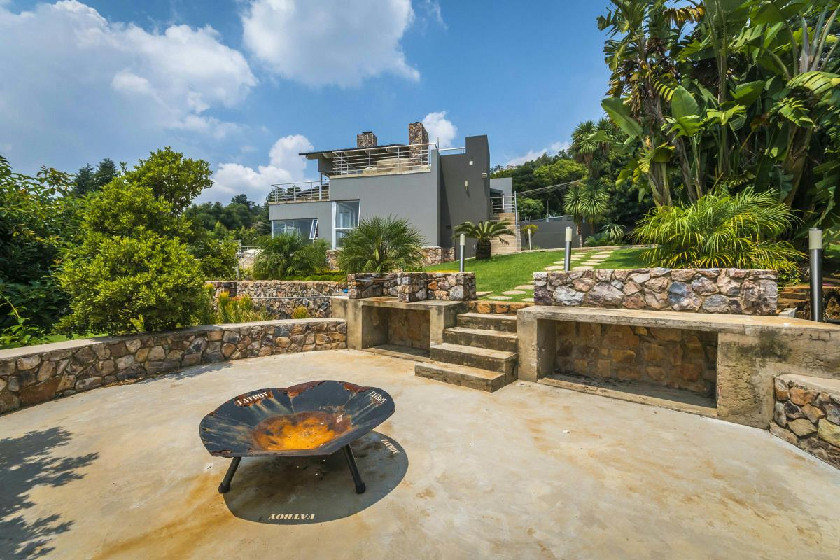 5 bedroom house for sale northcliff johannesburg for Landscaping rocks for sale johannesburg