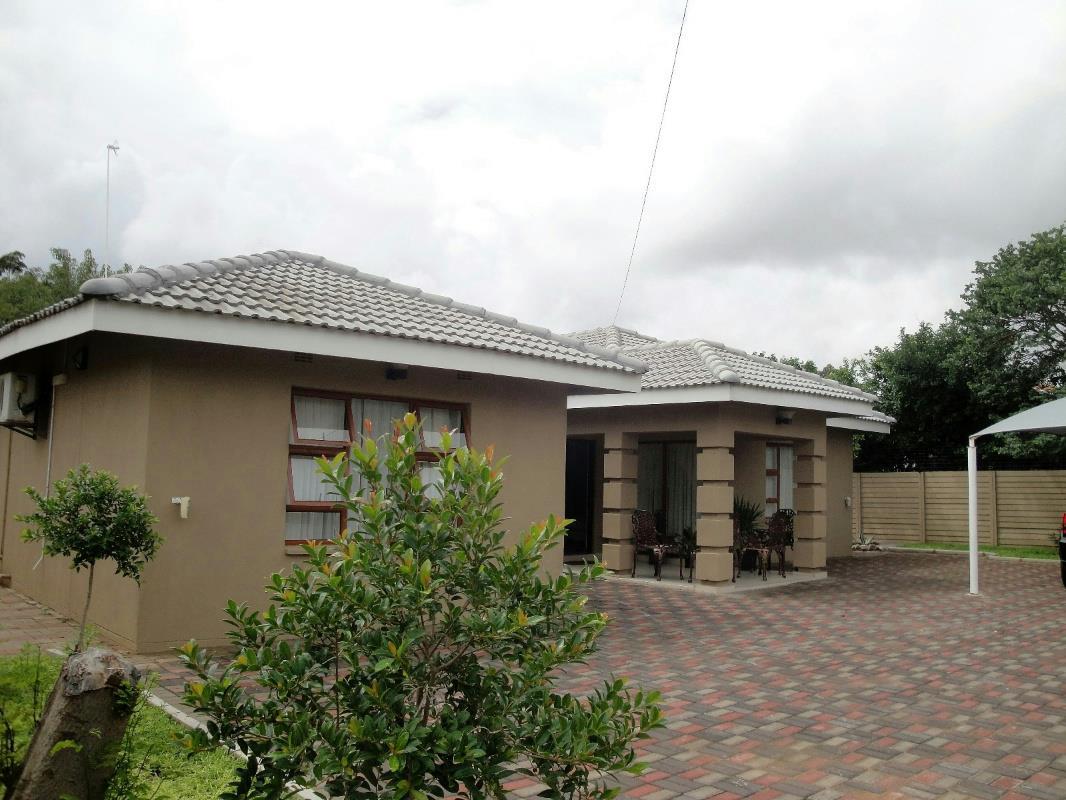 3 Bedroom House For Sale Block 6 Botswana 3bo1308169