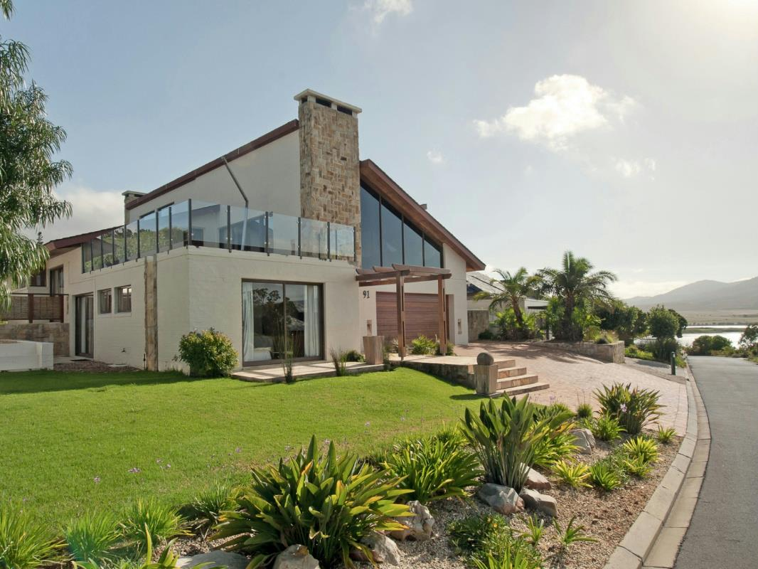 4 Bedroom House For Sale Arabella Country Estate KN