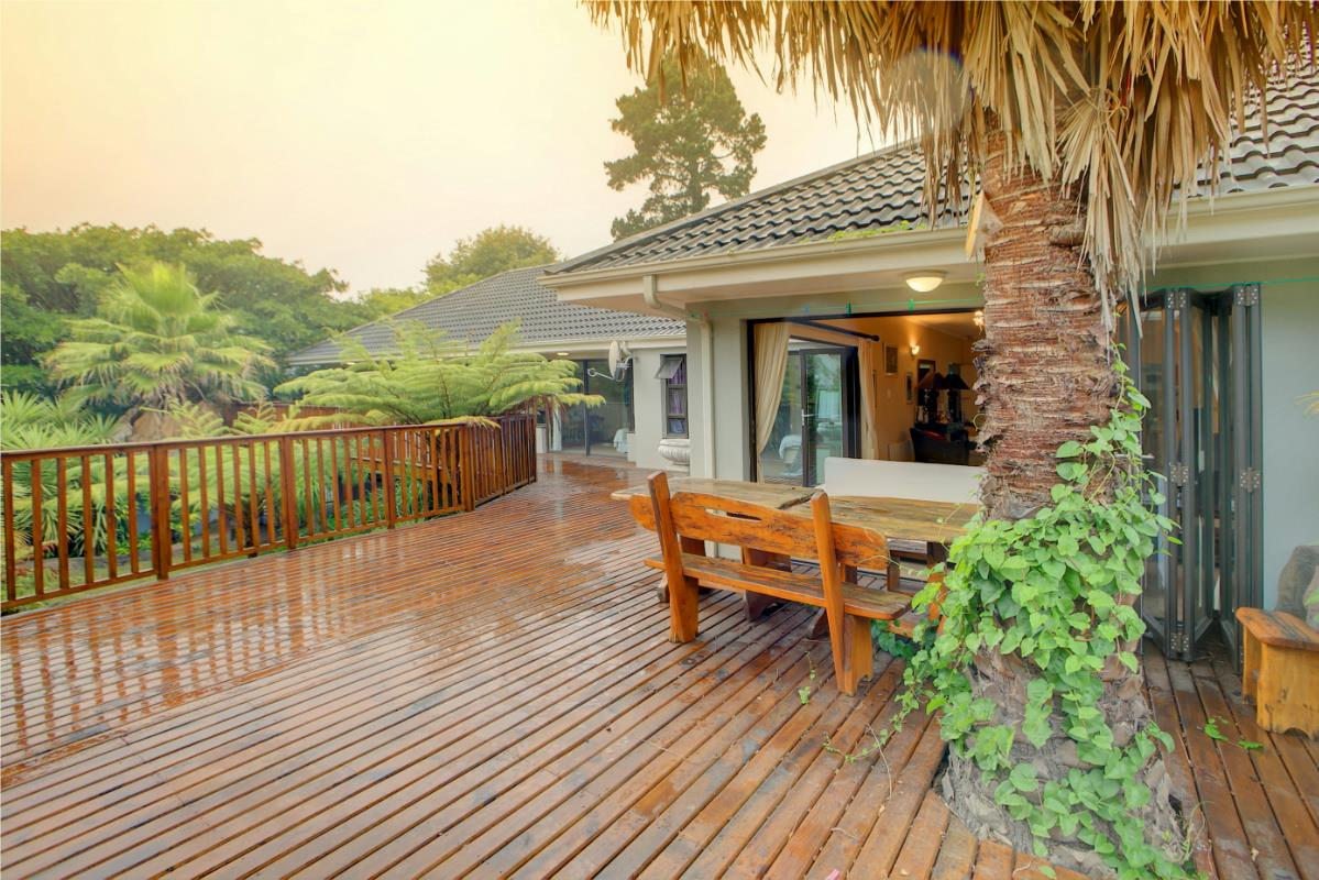 http://listing.pamgolding.co.za/Images/Properties/201702/99505/H/99505_H_10.jpg