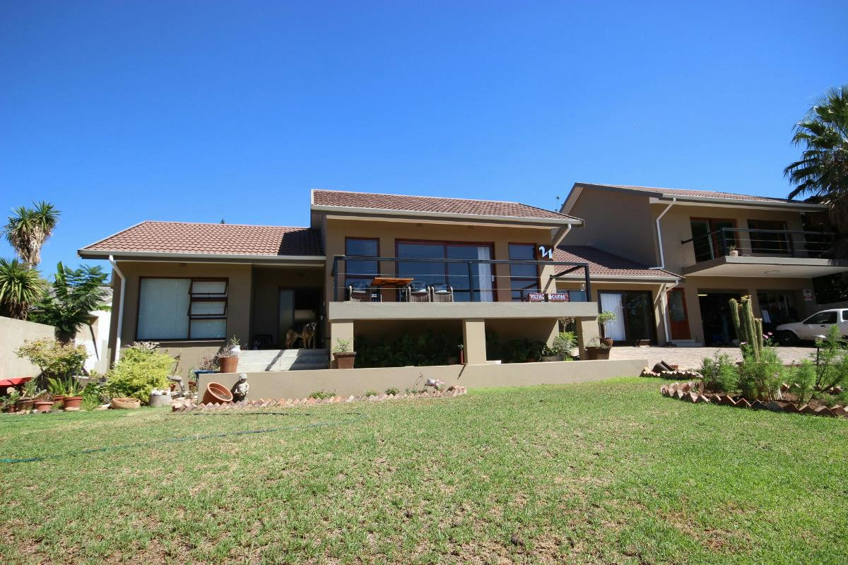 6 bedroom house for sale oudtshoorn 1ou1309788 pam for Six bedroom house for sale