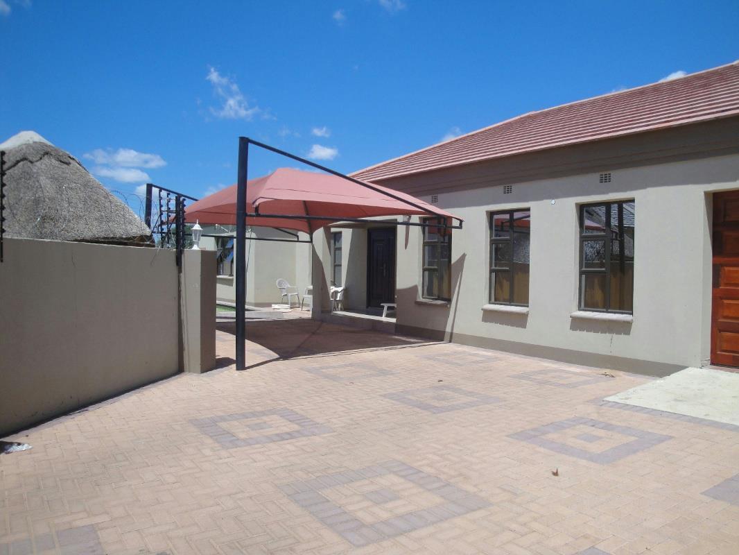 3 Bedroom House For Sale Broadhurst Botswana