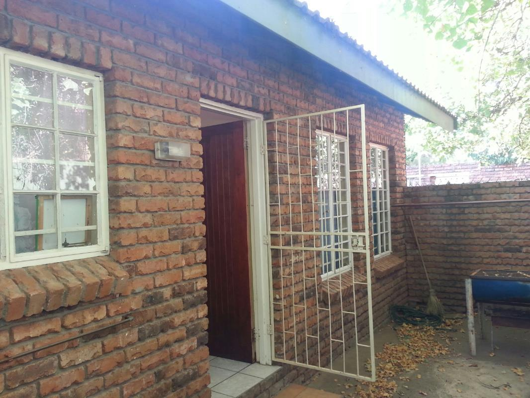 2 Bedroom Townhouse For Sale Polokwane 1ps1313988 Pam Golding Properties