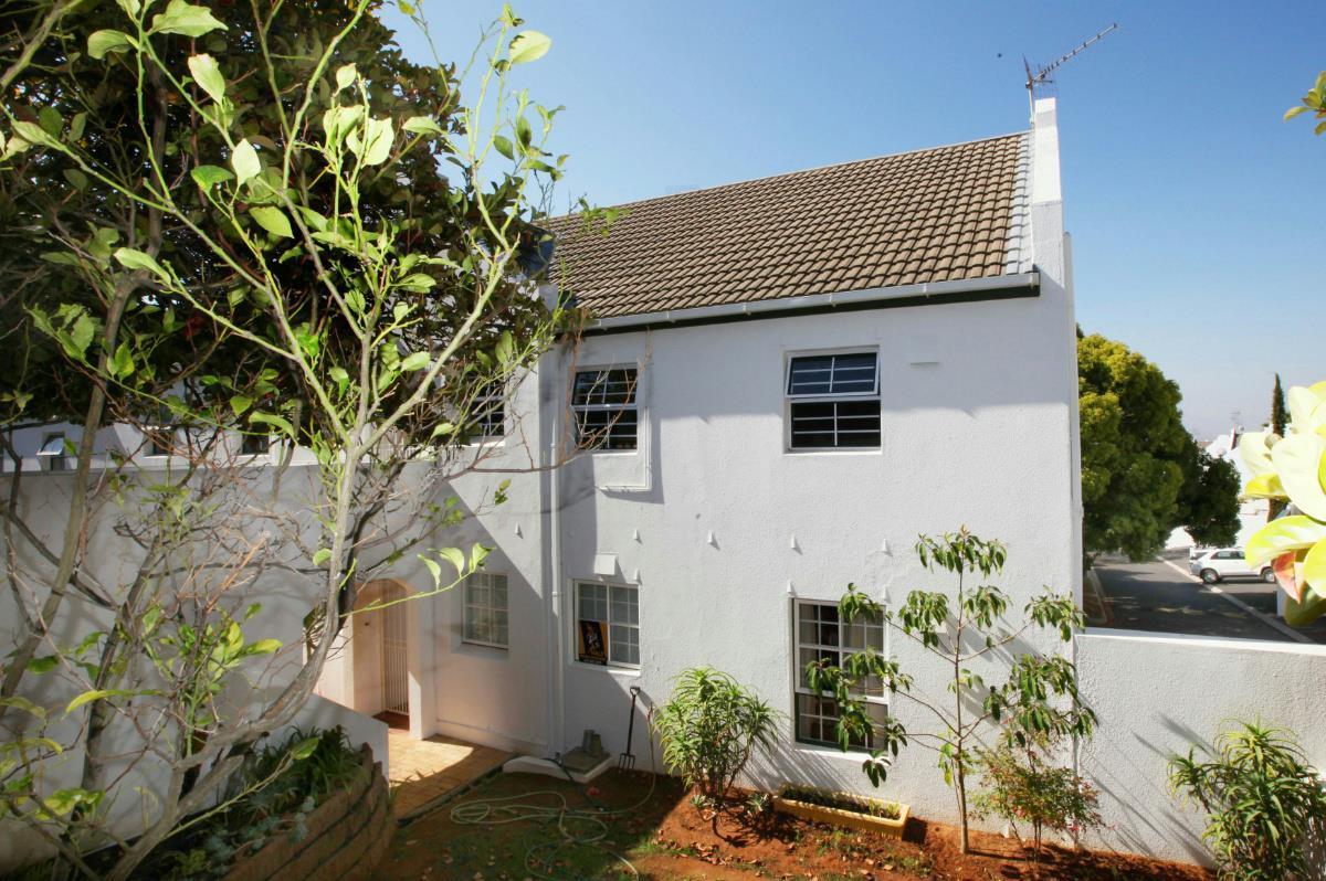 2 Bedroom Apartment For Sale Aurora Durbanville Dbv1315202 Pam Golding Properties
