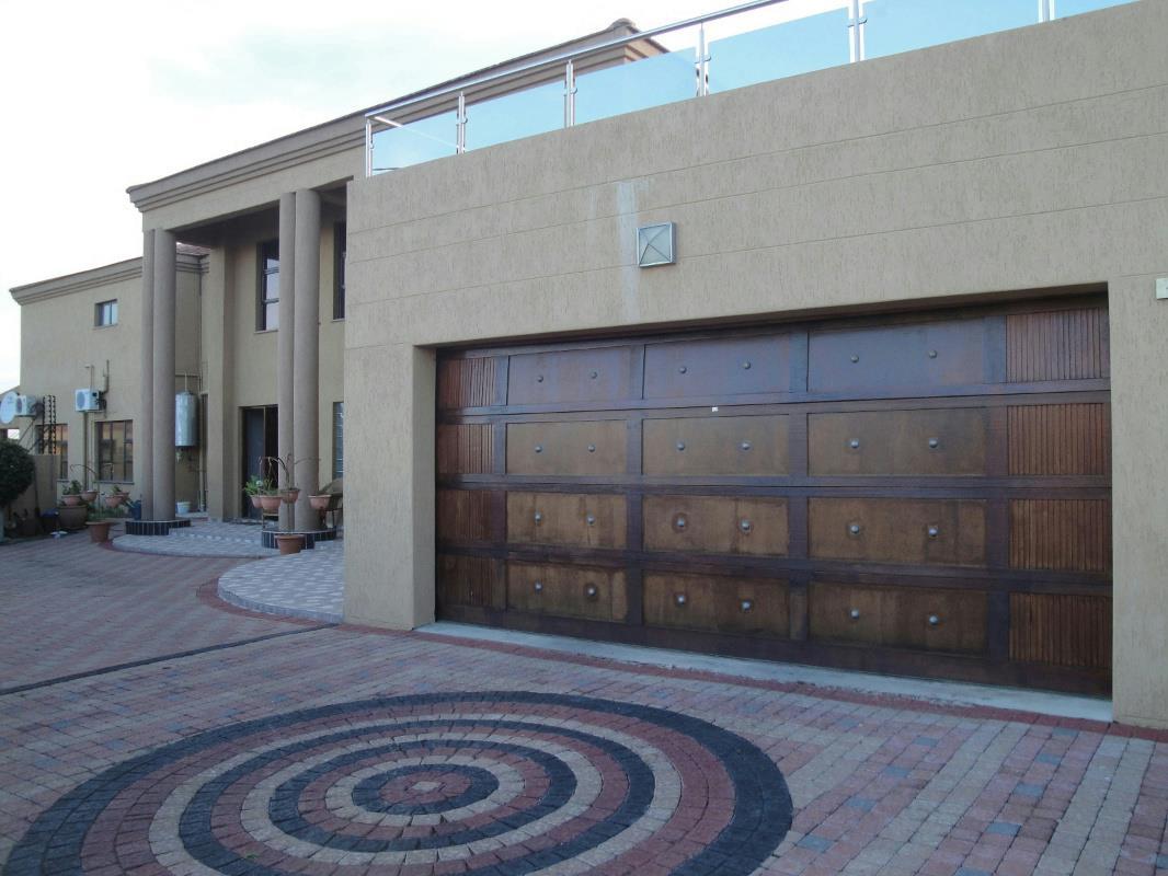 bedroom house for sale block 10 botswana 3bo1316088 pam
