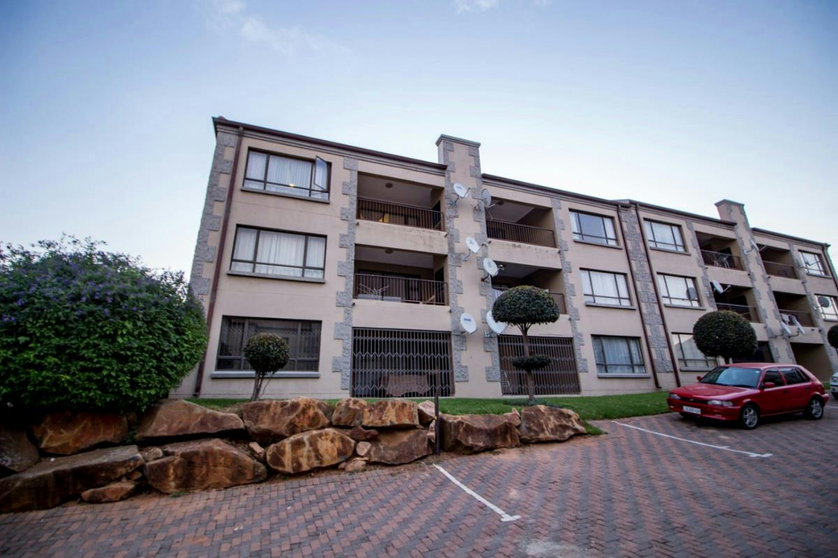 2 Bedroom Townhouse For Sale Northgate Randburg Nc1318860 Pam Golding Properties