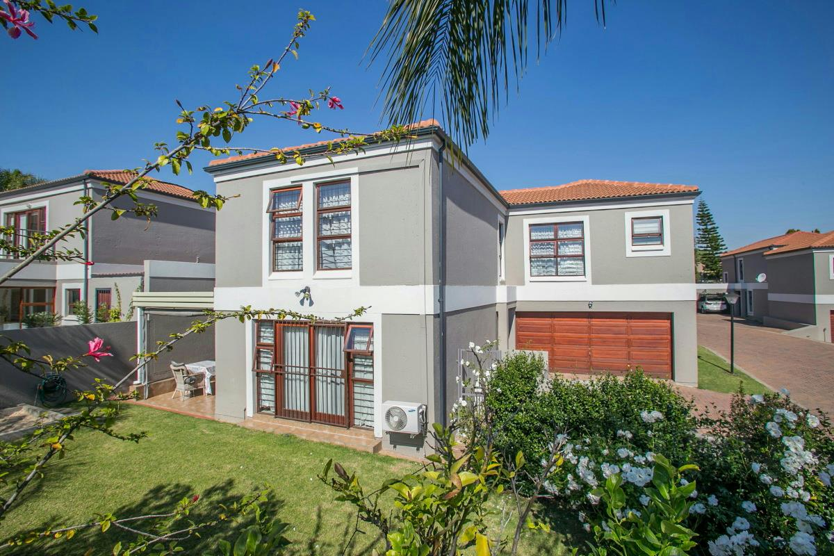 4 bedroom townhouse for sale sunninghill gardens