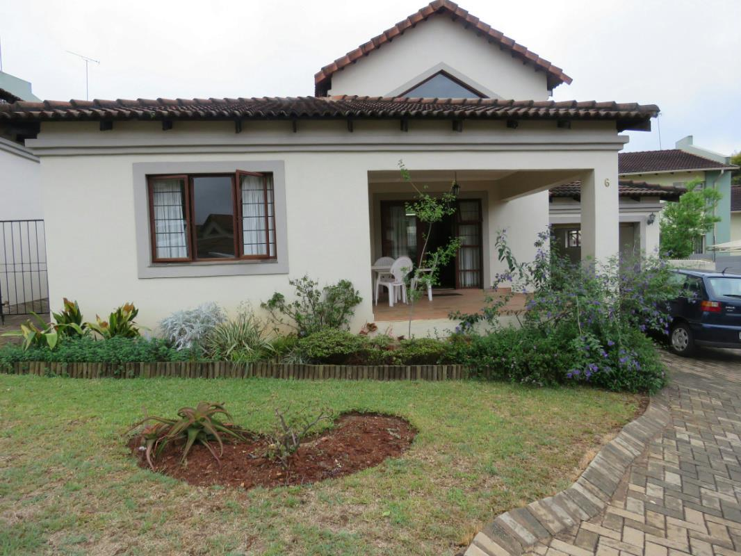 http://listing.pamgolding.co.za/Images/Properties/201706/635122/H/635122_H_1.jpg