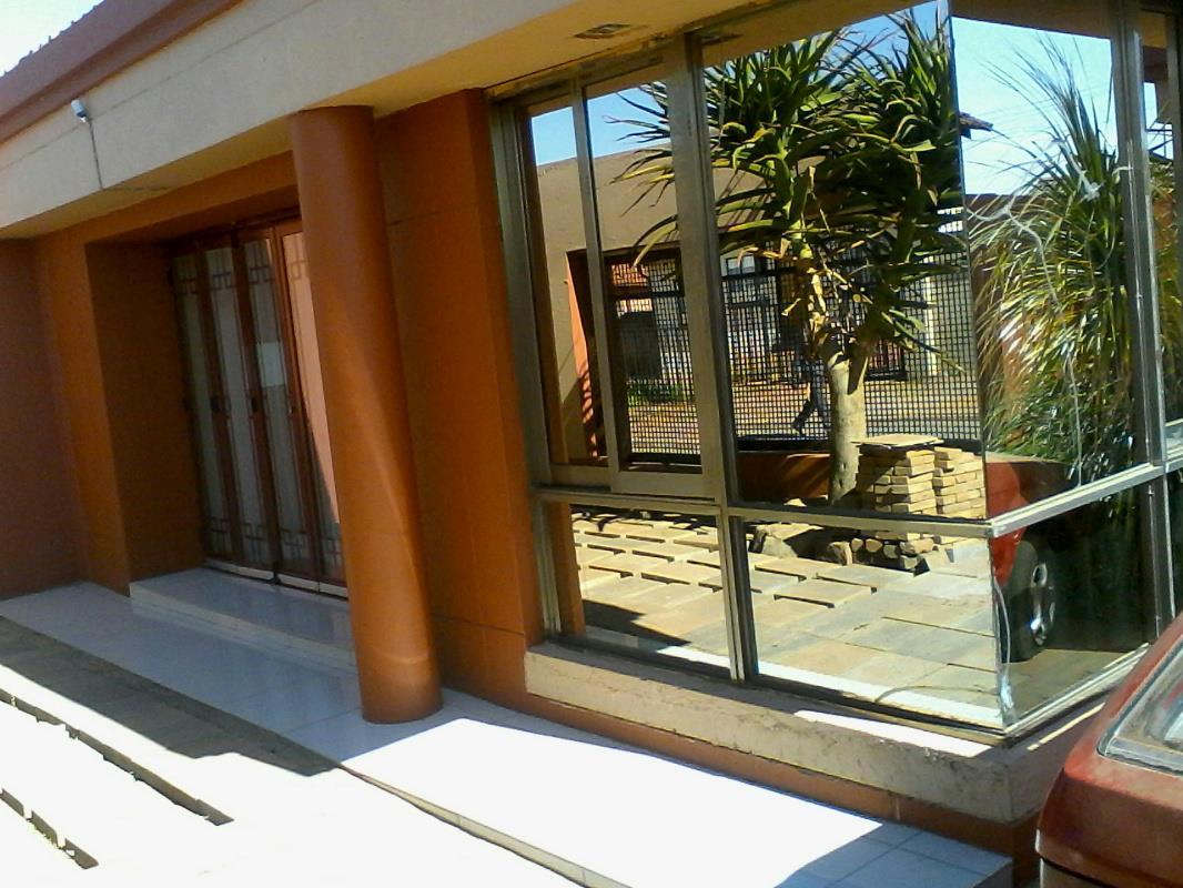 3 Bedroom House For Sale Vosloorus 1bg1324613 Pam