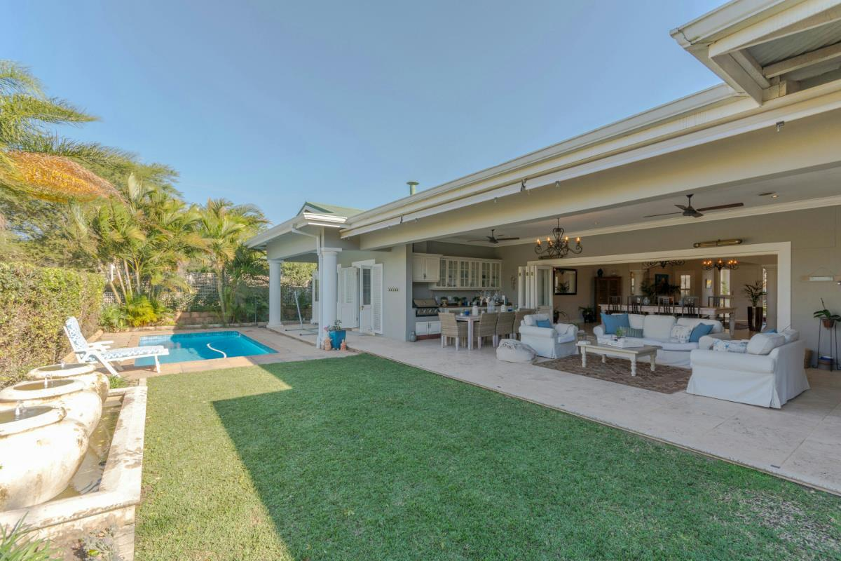 http://listing.pamgolding.co.za/Images/Properties/201707/299586/H/299586_H_32.jpg