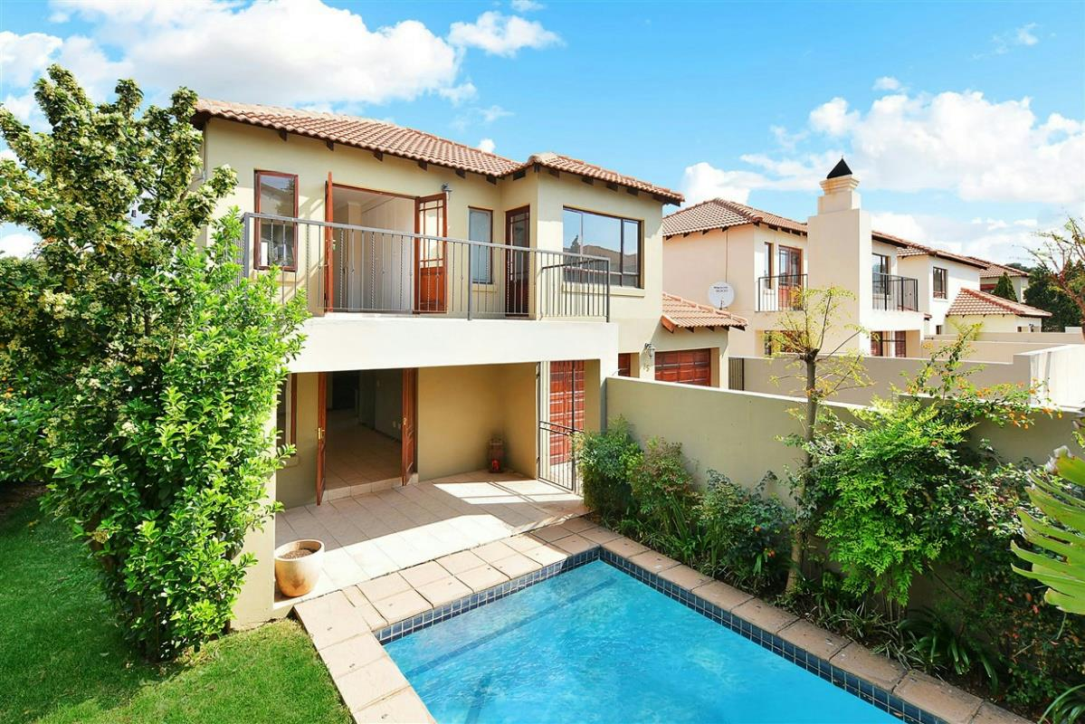http://listing.pamgolding.co.za/Images/Properties/201709/701258/H/701258_H_41.jpg