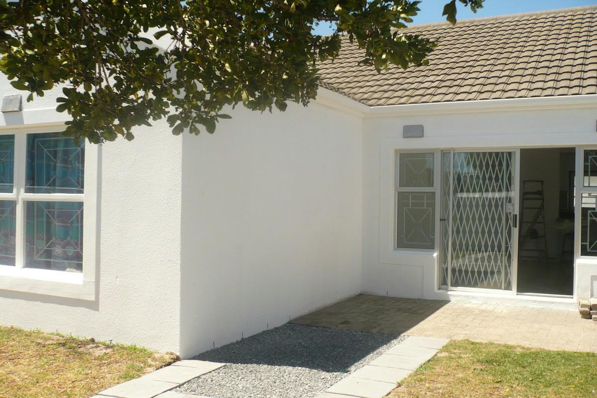 http://listing.pamgolding.co.za/Images/Properties/201711/749480/H/749480_H_3.jpg