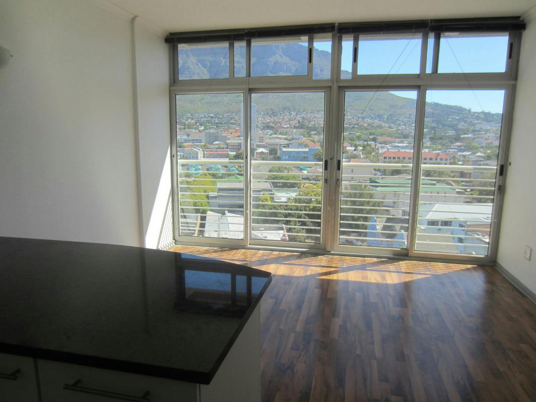 http://listing.pamgolding.co.za/Images/Properties/201712/372227/H/372227_H_11.jpg