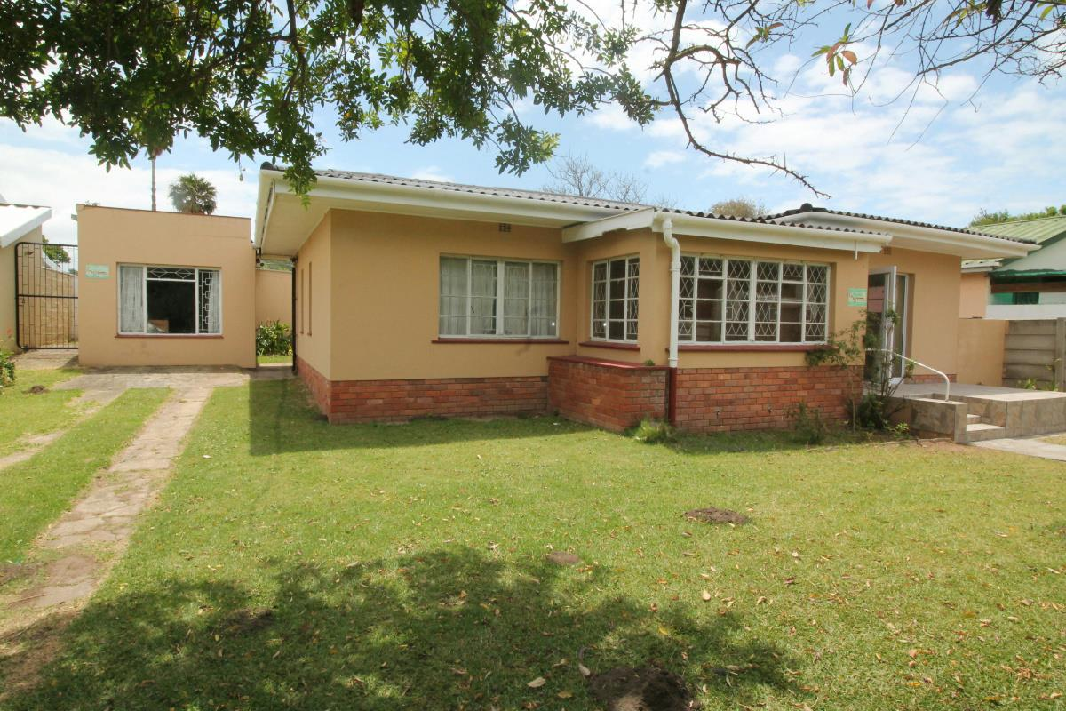 http://listing.pamgolding.co.za/Images/Properties/201712/814334/H/814334_H_1.jpg
