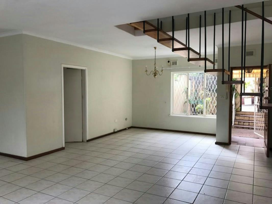http://listing.pamgolding.co.za/Images/Properties/201712/816211/H/816211_H_1.jpg