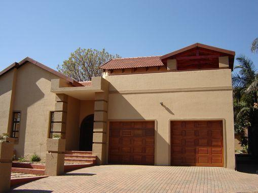 https://listing.pamgolding.co.za/images/properties/200608/134399/H/583323_H_1.jpg