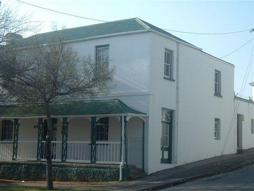 https://listing.pamgolding.co.za/images/properties/200808/218899/H/1246048_H_2.jpg