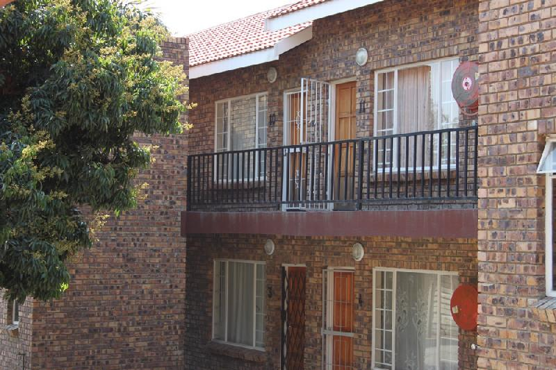 2 Bedroom Apartment For Sale Nelspruit 1ns1058470
