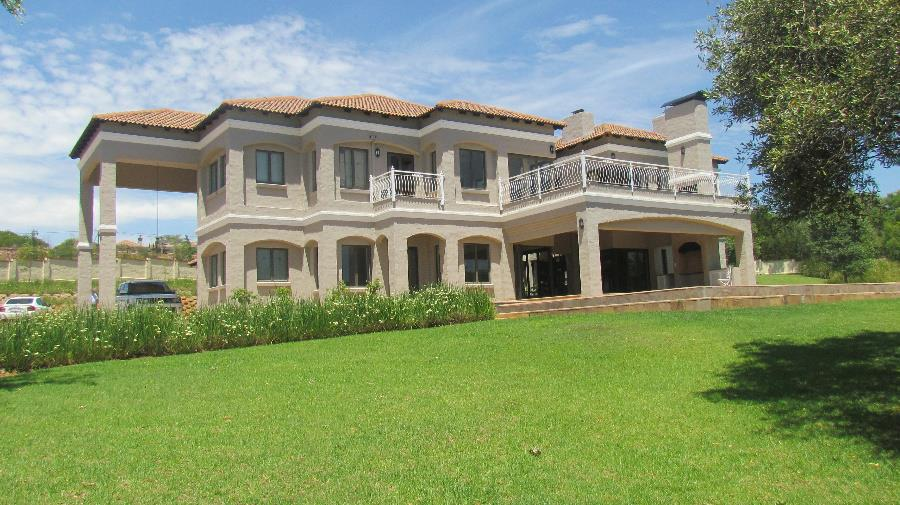 4 Bedroom House For Sale Mooikloof Equestrian Estate