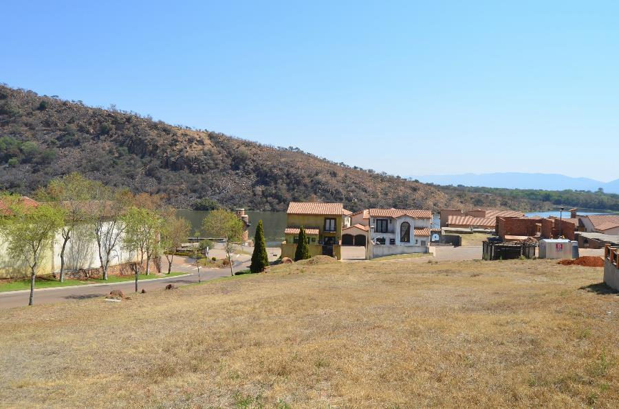 818 m² residential vacant land for sale in Estate D Afrique