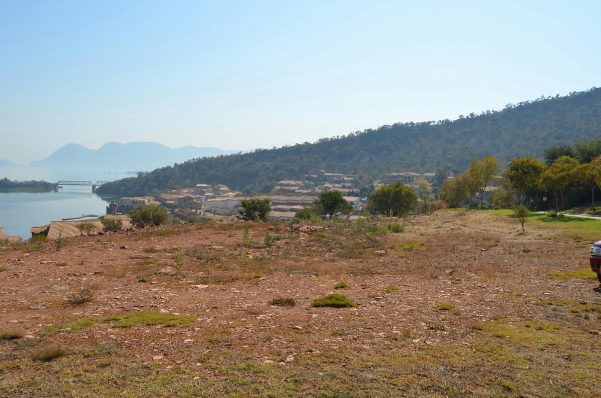 989 m² residential vacant land for sale in Estate D Afrique