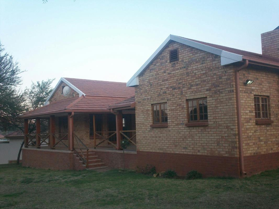 3 bedroom house for sale in Buffelspoort