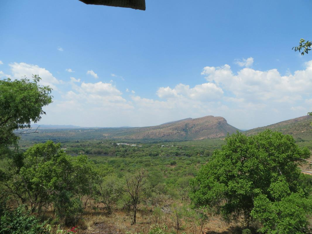 18 hectare smallholding for sale in Zandfontein (Hartbeespoort)