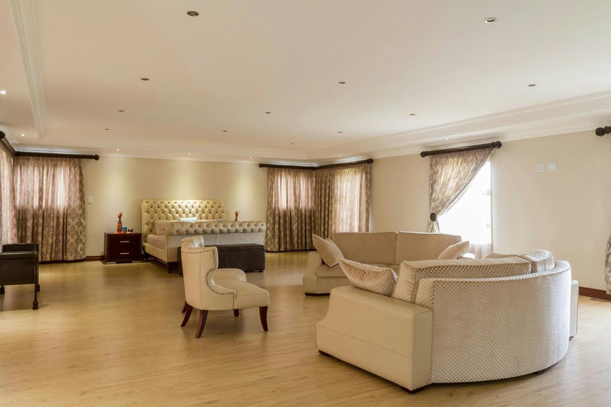 6 Bedroom House For Sale Mooikloof Glen Pt1372964
