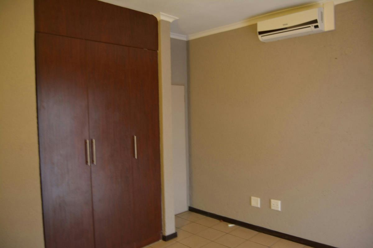3 Bedroom Apartment For Sale West Acres 1ns1269403