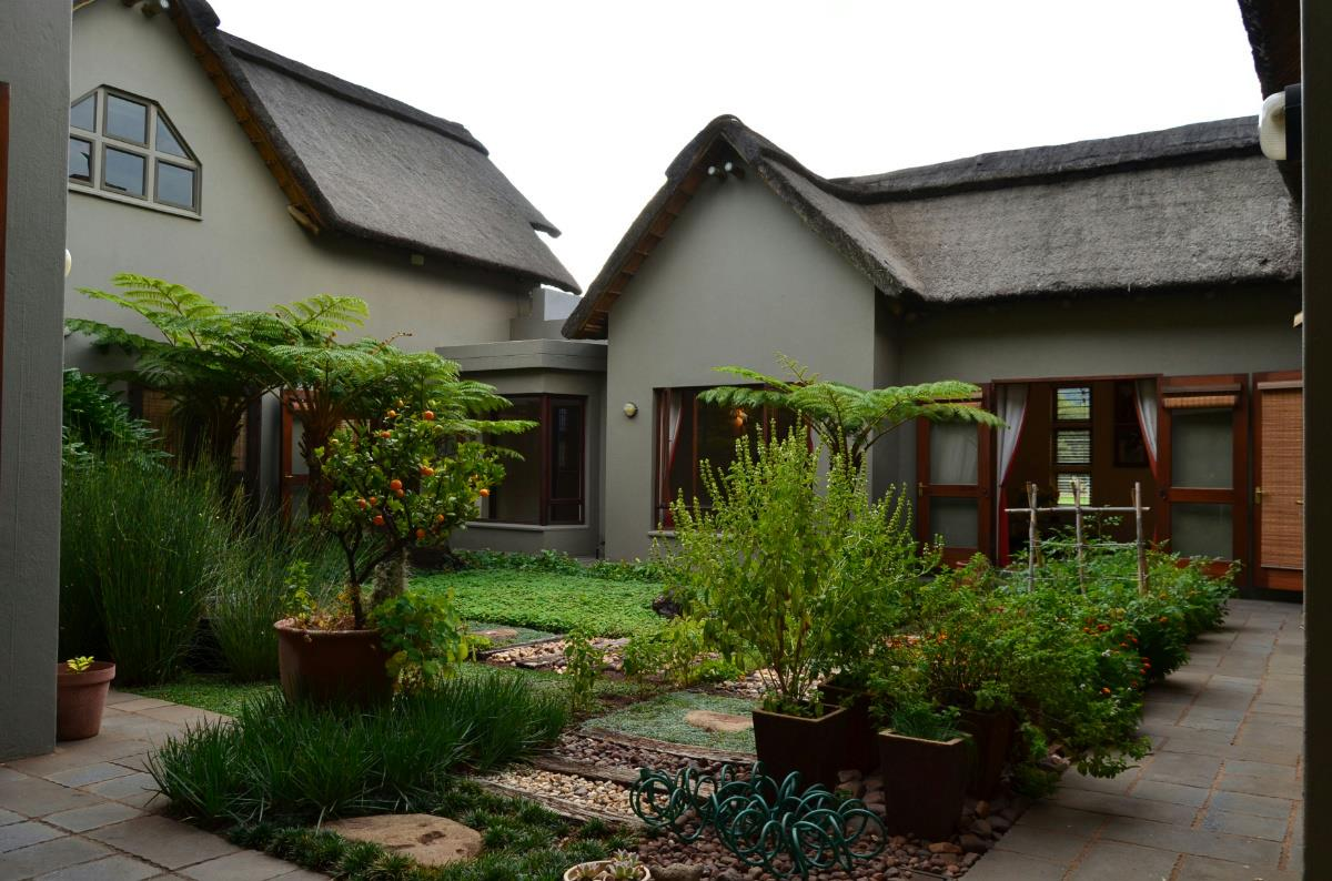139 hectare lifestyle property for sale in Hartbeespoort