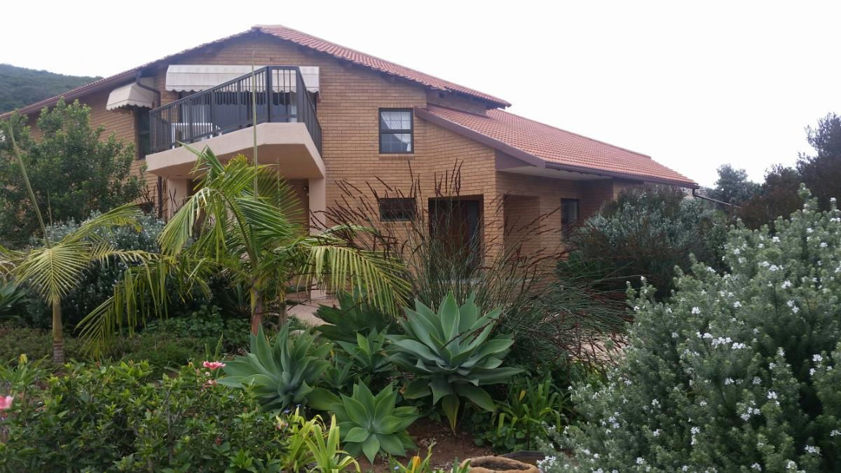 5 bedroom house for sale in Outeniqua Strand
