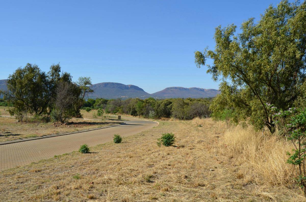 933 m² residential vacant land for sale in Red Stone Estate