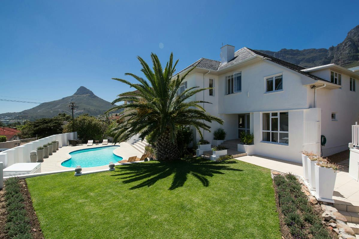 https://listing.pamgolding.co.za/Images/Properties/201703/617606/H/617606_H_88.jpg