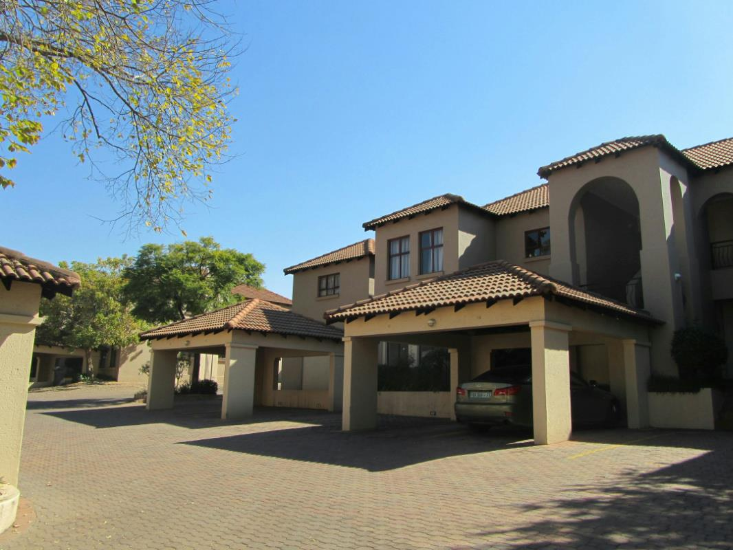 https://listing.pamgolding.co.za/Images/Properties/201706/634103/H/634103_H_12.jpg