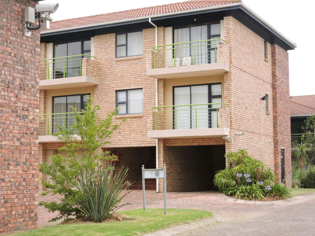 https://listing.pamgolding.co.za/Images/Properties/201708/387310/H/387310_H_17.jpg