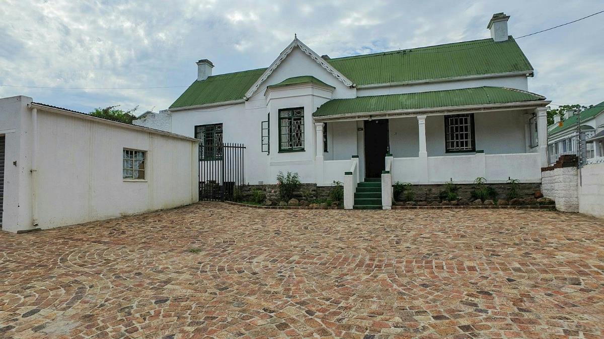 Foyer Goldings House : Properties to rent grahamstown pam golding