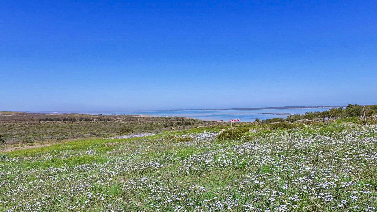 712 m² vacant land for sale in Shark Bay