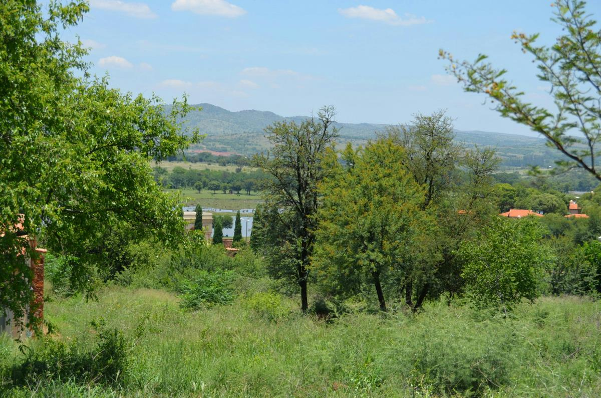 858 m² residential vacant land for sale in Estate D Afrique