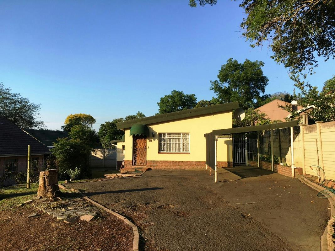 https://listing.pamgolding.co.za/Images/Properties/201711/803754/H/803754_H_6.jpg