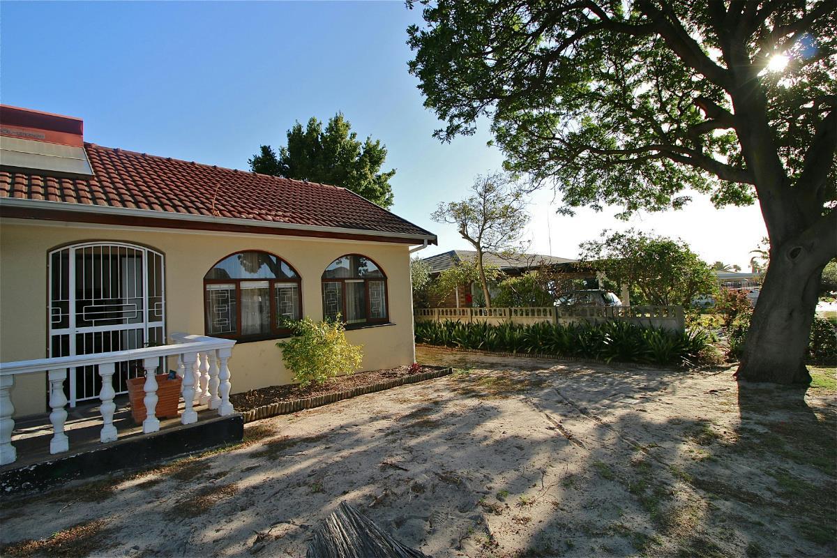 3 Bedroom House For Sale Monte Vista 1ed1351418 Pam