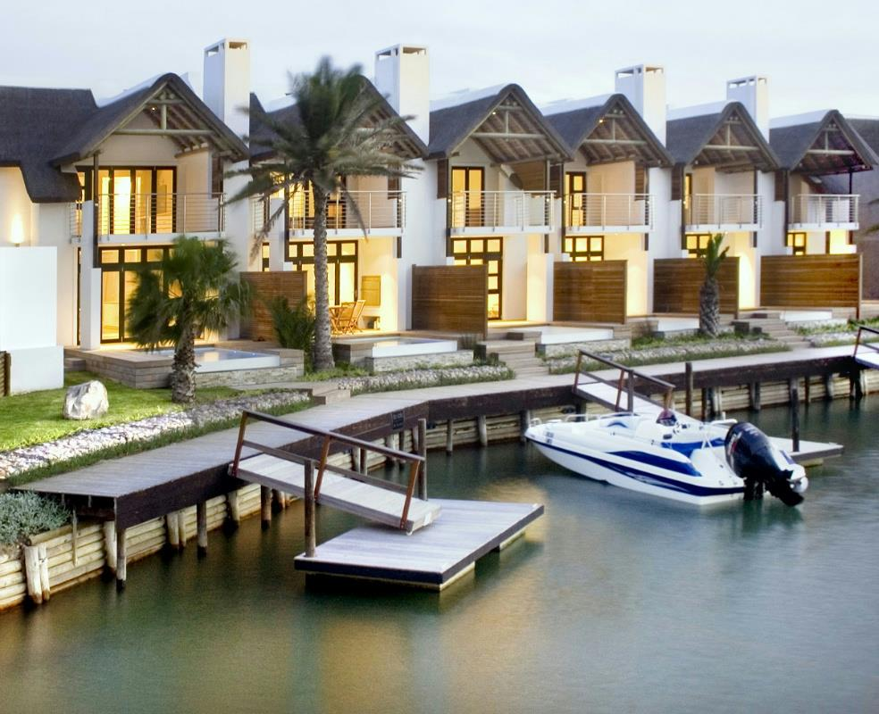 3 bedroom townhouse for sale in Canals
