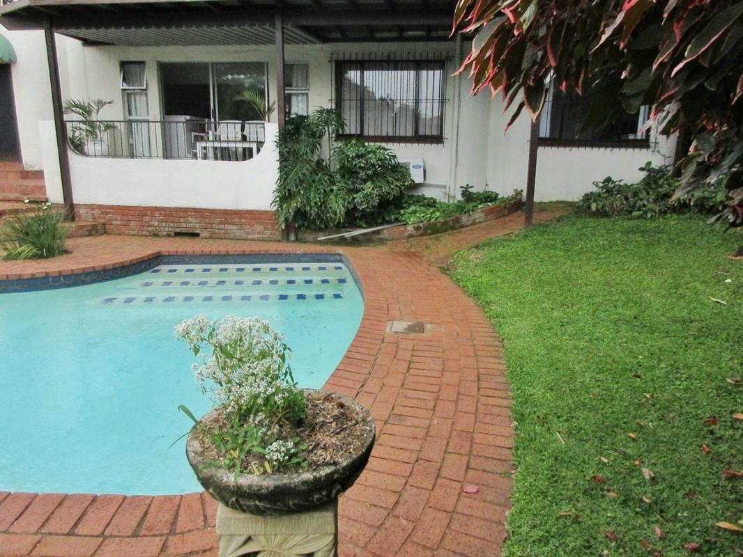https://listing.pamgolding.co.za/Images/Properties/201801/390991/H/390991_H_20.jpg
